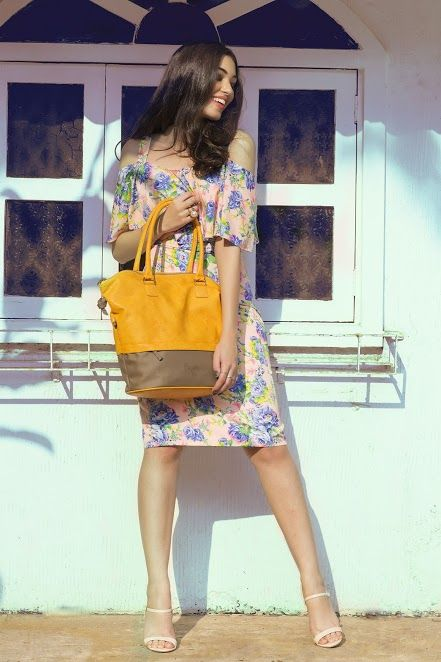 As you enjoy the cool weather, bring warmth this season and make a bold impact with this bright #totebag. Team it with an off-shoulder floral dress, a pair of beige stilettoes and let your hair loose for a fun get-up. The totebag is available at any Exclusive Baggit Stores and at www.baggit.com. #DayoutLook #casualbag #womensbags #Baggit