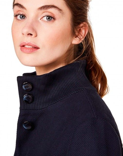Shop Bomber with maxi pockets Dark Blue for Jackets at the official United Colors of Benetton online shop.