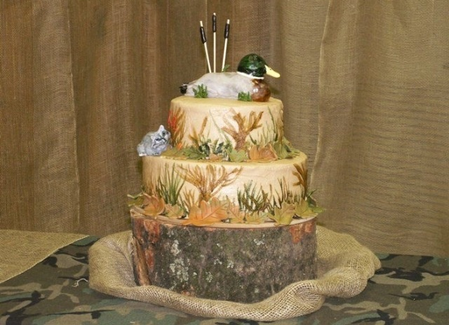 Grooms cake for Hunting Themed Wedding.  Keywords: #huntingthemedgoomscake #jevel #jevelweddingplanning Follow Us: www.jevelweddingplanning.com www.pinterest.com/jevelwedding/ www.facebook.com/jevelweddingplanning/