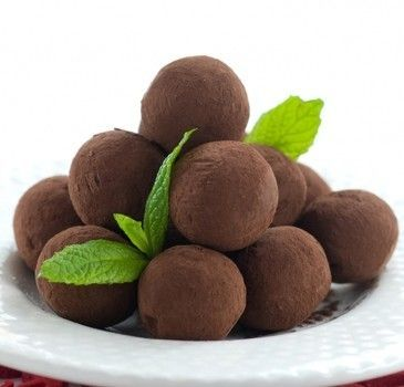 Εύκολα τρουφάκια σοκολάτας με 3 μόνο υλικά