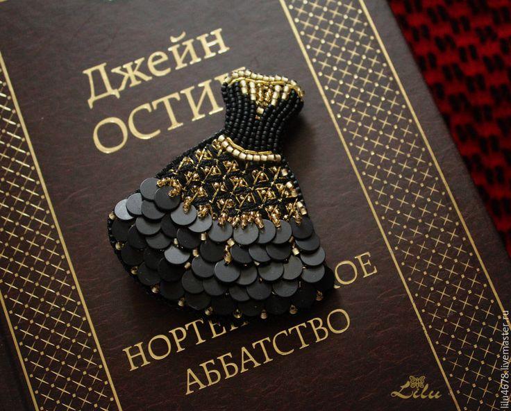 """Купить Брошь с вышивкой бисером и пайетками """"My little black dress"""" - черный, золотой"""