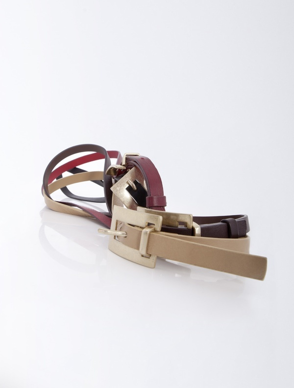 Grain leather belt with metal buckle