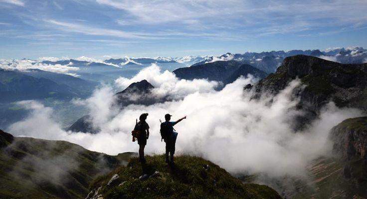 Karwendel Wandelen vanuit welnesshotel - Individuele reis  Individuele reis Ga mee op wandelvakantie in de Karwendel. Als gast van het viersterrenhotel Achentalerhof met welness maak je tijdens deze vakantie prachtige wandeltochten door de rustige dalen en over de almen van de Karwendel in de omgeving van de Achensee in Oostenrijk. Je wordt bij vijf wandeltochten begeleid door de hoteleigenaar tevens bergwandelgids. De gemiddelde tochtduur is vier tot zeven uur. Bijna alles is inbegrepen…