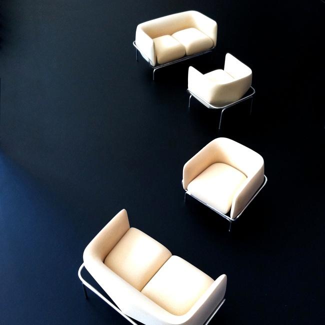 MOROSO  La città di Chandigarh in India, conosciuta per l'architettura di Le Corbusier, è il soggetto e il nome della nuova collezione di divani di Doshi Levien. La seduta è in schiuma stampata, rivestita in pelle o tessuto