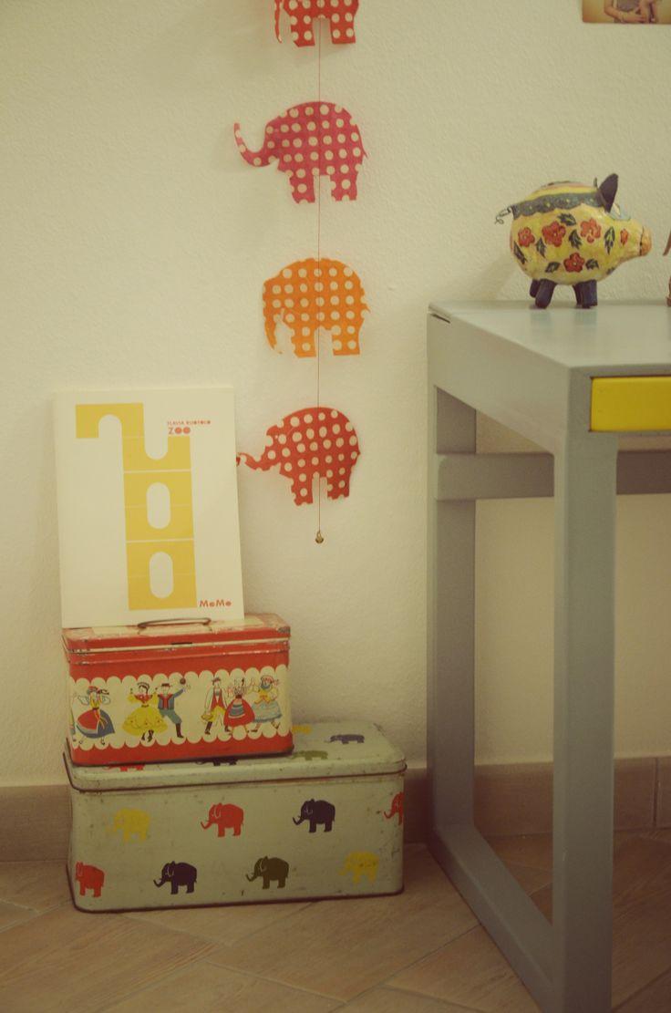handmade desk for my little Mia (Ta.ta)