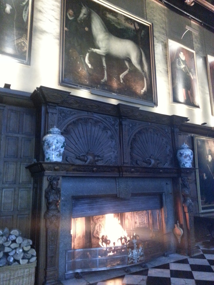 The Fireplace In Marble Hall Of Hatfield House Elizabeth Is Childhood Home