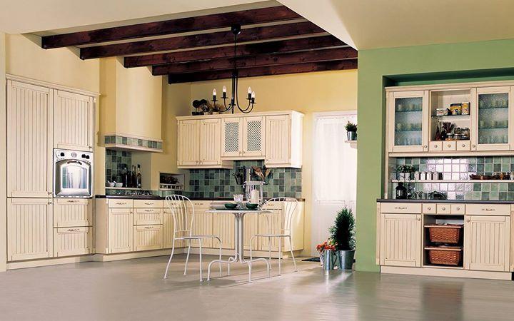Η εξοχή στην κουζίνα σας!  Τα πολλά λόγια είναι περιττά για την #Eliton COUNTRY. Ο σφένδαμος σε απόχρωση βανίλιας η σκαλιστή ξυλεία τα ψάθινα καλάθια με χερούλι η ξύλινη κουταλοθήκη θα σας κάνουν να νιώθετε σαν στο εξοχικό σας.   Ελάτε να τη δείτε από κοντά και θα την ερωτευτείτε! Σας περιμένουμε σε κάποιο από τα τρία ELITON showrooms στην Αττική  Κλείστε ραντεβού: 210 5578067-70