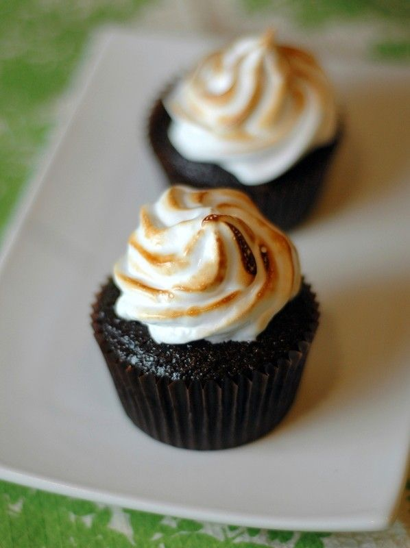 Toasted marshmallow frosting recipe that uses REAL marshmallows.