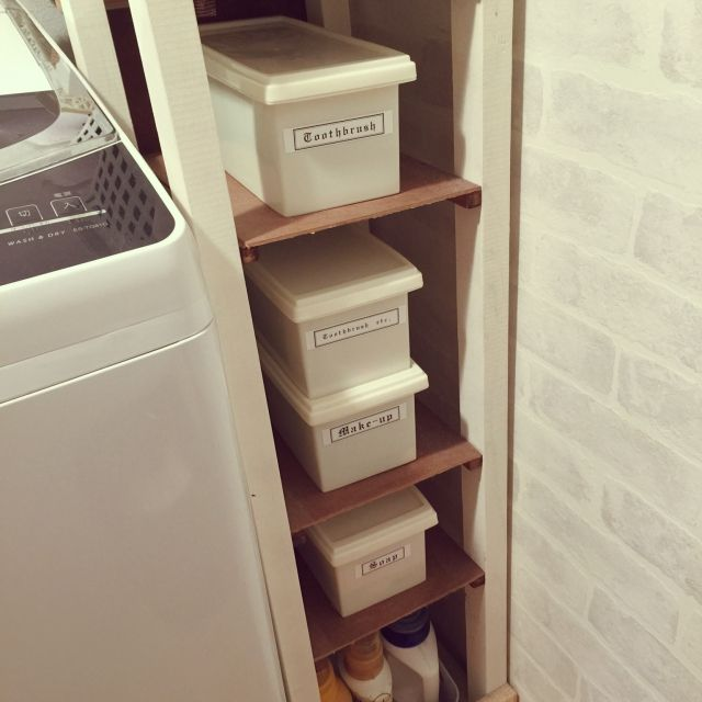 女性で、3LDK、家族住まいのDIY/レンガ壁紙/ダイソー/ベニヤ板/洗濯機/棚…などについてのインテリア実例を紹介。「洗面所を断捨離して必要なものをコンパクトに収められるようにしました◡̈❁計るのめんどくさかった〜」(この写真は 2015-06-22 06:33:21 に共有されました)