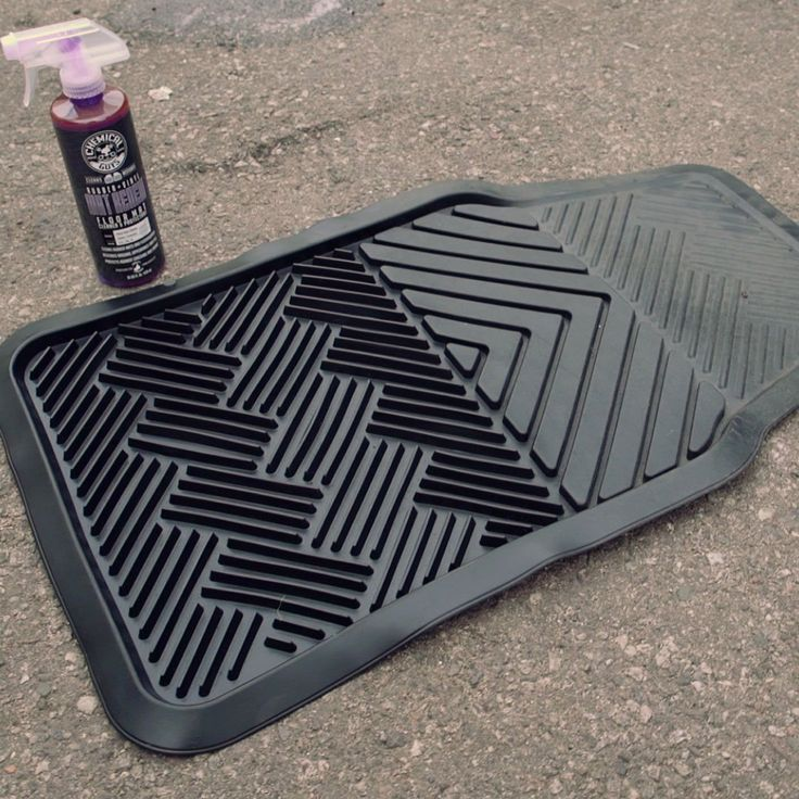 Chemical Guys CLD_700_16 Floor Mat Cleaner and Protectant