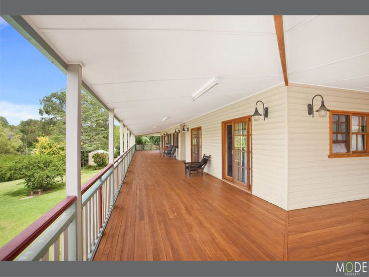 Love the wide verandah.