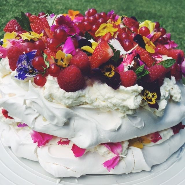 Charlie Buckett Pavlova Cake - Wedding Cake Cake Decor - Dessert ...