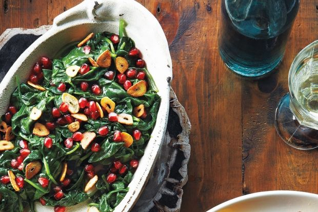 Pomegranate Spinach With Garlic Chips recipe