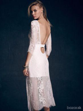 Biele elegantné čipkové šaty