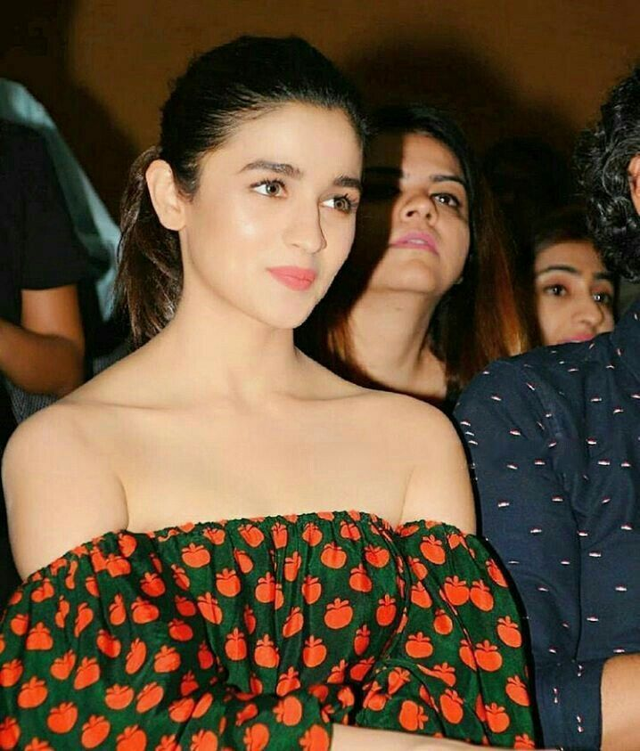 Alia bhatt Follow @aRchit3298 on Twitter #beautiful #hot #traditional #fashion #beauty #cute #adorable #style #glamour #gorgeous #stunning #hotness #hottest #smile #sexy #bollywood #hollywood #success #pretty #life #daily #fitness #yoga #princess