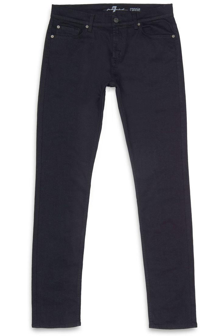 Diep zwarte ongewassen jeans in het skinny model Ronnie. De stof is van de zachte stretch kwaliteit waar 7 For All Mankind bekend om staat.