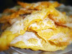 Hojuelas Castellanas, un dulce tradicional de Semana Santa. Tiene su ciencia pero el resultado es divino. :)