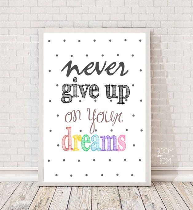 Plakat do samodzielnego wydruku - Never give up - BoomBom - Wydruki cyfrowe