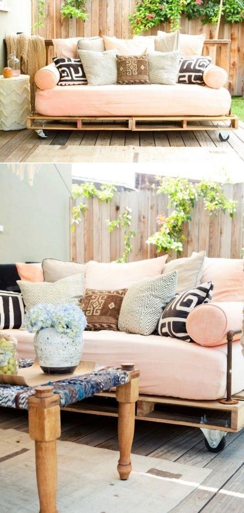 Hanging outdoor pallet bed