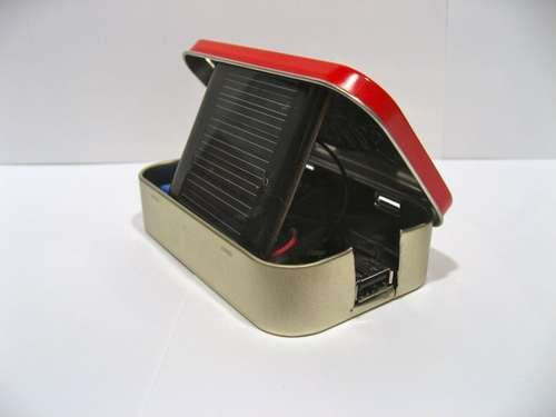 Solar-powered USB charger made out of an Altoids can.