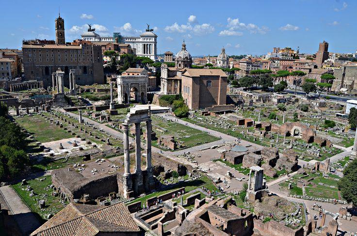Foro Romano v Roma, Lazio #Roma #Italy #travel
