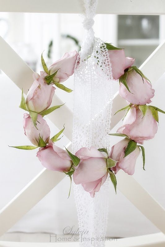 Wreaths,do this with red roses for Christmas,valentines,weddings.