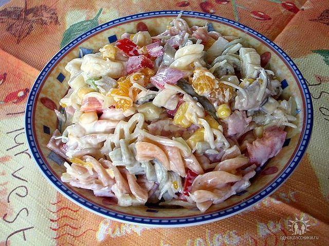 Немецкий салат колбаса маринованный огурчик