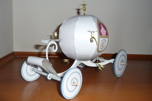 FREE paper models - FREE Paper Models » Cinderella Coach. Click on link for info. http://paperinside.com/cinderella-coach/