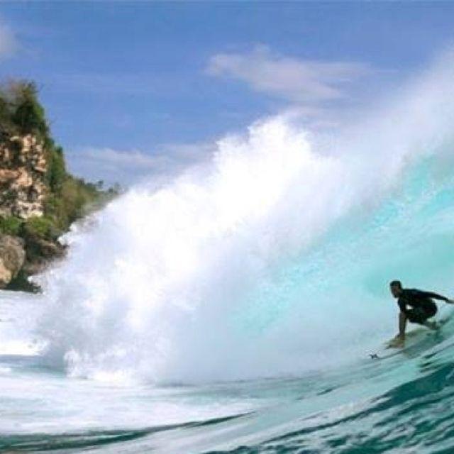 Great barrel in Pacang - Padang Beach Uluwatu Bali. http://www.balisurfwaves.com/
