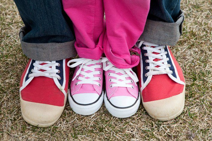 teach kids to tie shoelaces on shoes
