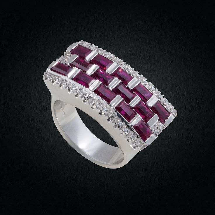 Exquisite 18K White Gold Ring with Emerald-Cut Rubies & Diamonds.