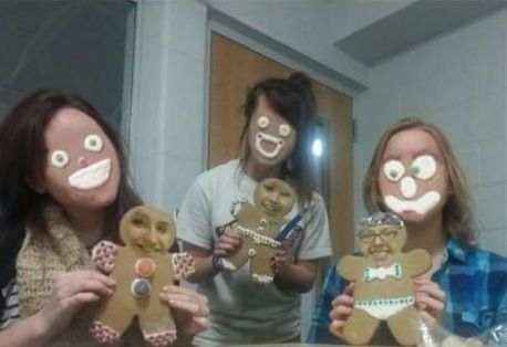 How To Bake Gingerbread Man Cookies and Face Swap ---- hilarious jokes funny pictures walmart humor fails