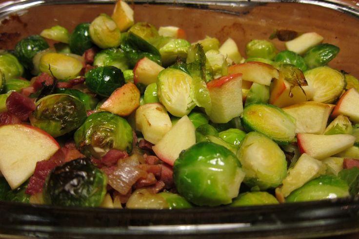Makkelijk en snel recept van spruitjes uit de oven met spek en appel. Voor de nodige variatie en het is heel makkelijk te maken. Bekijk het recept hier!