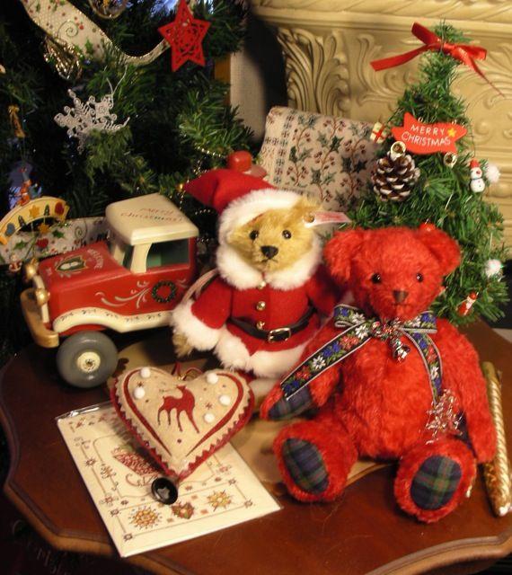 Steiff Santa Claus & my original Christmas Bear [Rose & Strawberry]トールペイントとテディベアのお話]