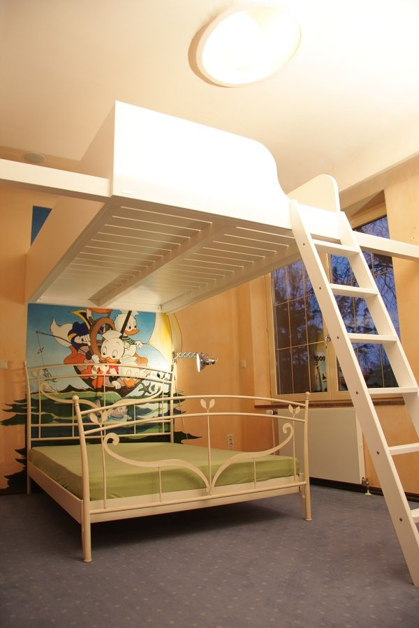 Hochbett Berlin,Maßgefertigte Betten, Sonderanfertigungen