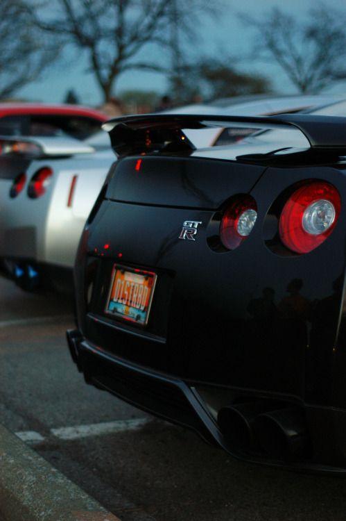 Nissan GTR V Spec: Motorcitycars: Brothers By Motor City Cars .