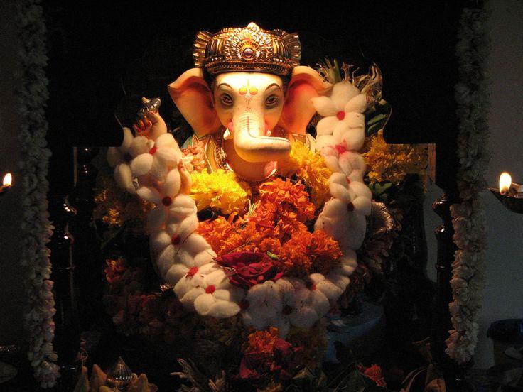 vakratunda mahakay surya koti samaprabh nirvighnam kurme deo sarv kary su survadha... _/\_ http://www.rutuartsllp.com/