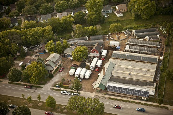 CITY FARMS WORK! Sustainable urban gardening - Great Article - How to feed 10,000 people from food grown on 3 acres in the city