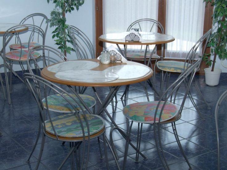 Budapest legszebb részén található apartmanunk.  http://www.dominikahotel.hu/?lang=hu