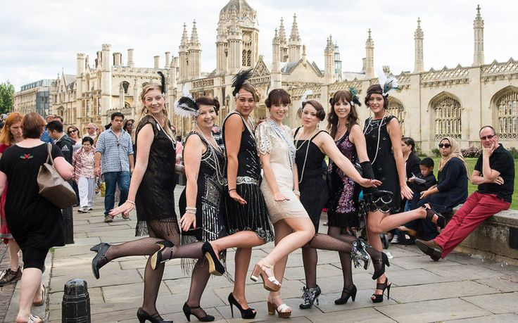 A glorious 20's hen party affair perfect for the vintage hen or a 20s styled party. #20shenpartyfun #cambridgehenparties