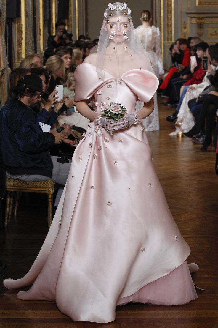 60 свадебных платьев Недели Высокой моды   Мода   Выбор VOGUE   VOGUE