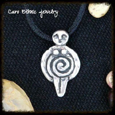 Mujer Espiral, Amuletos de los Andes. Plata 950.