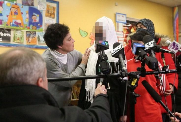 Canadá viene siendo eje de una serie de noticias de ataques 'islamofóbicos', los cuales se comprueban que son falsas y se utilizan para promover políticas pro-islamistas. Los ataques a menores son los que más se promueven hasta que la policía saca a la luz la verdad. VER MAS