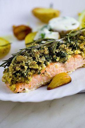 Chefkoch.de Rezept: Lachs mit Parmesan-Kräuter-Walnuss-Kruste