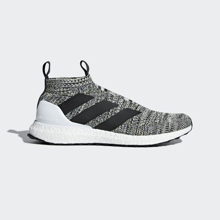 Anyone have on feet pictures of these?