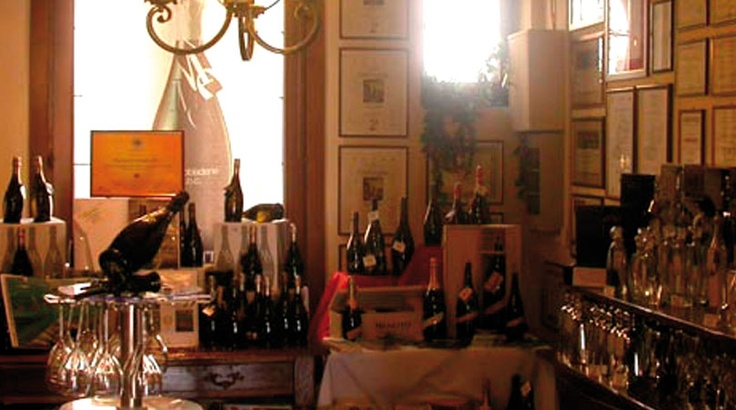 Visit and experience our wine shop and winery in Valdobbiadene, Mionetto's headquarter, and where you  can taste and buy the several products of our winery. There you can visit also our museum.