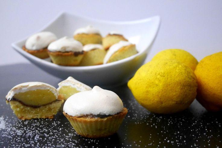 Mignon di frolla meringati con cioccolato e crema al limone