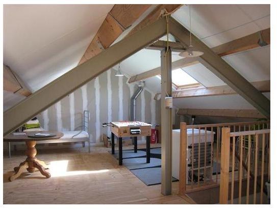 Een grote zolder welke bereikbaar is met een vaste trap ideaal voor het realiseren van een - Trap toegang tot zolder ...