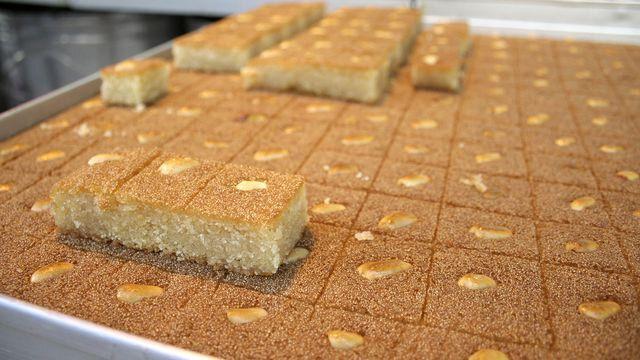 النمورة اللبنانية In 2021 Desserts Food Eat