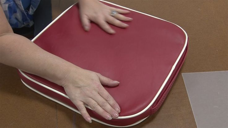 How to Make a Stadium Cushion - if you need a bit of cushioning on a hair bleacher seat